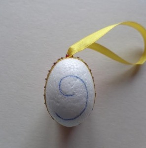 Hungarocell tojás szalaggal körben
