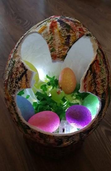 Óriás tojás nyuszi füllel