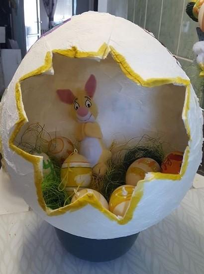 Óriás tojás nyuszival