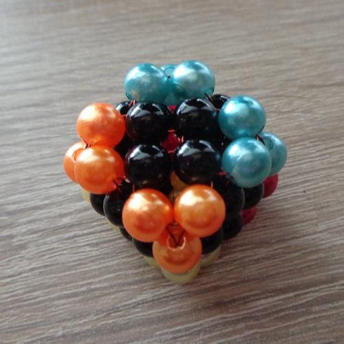4 színű csúcsok a kockán