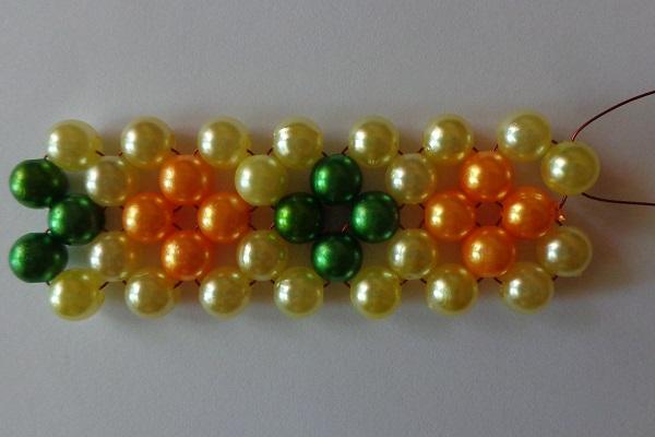 2 egységnyi kocka sárga-zöld variációban
