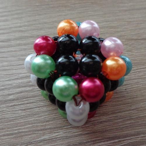 3 színűk van a kocka csúcsainak